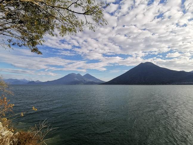 Život na jezeruAtitlan